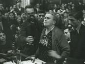 Emma Goldman en un míting el 18 d'octubre al Teatre Olympia de Barcelona Font: Arxiu CNT, nternational Institute of Social History.