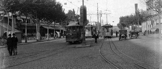 Tramvies al Paral·lel, autor: Bert i Claret Fotoperiodistes, Arxiu Nacional de Catalunya.
